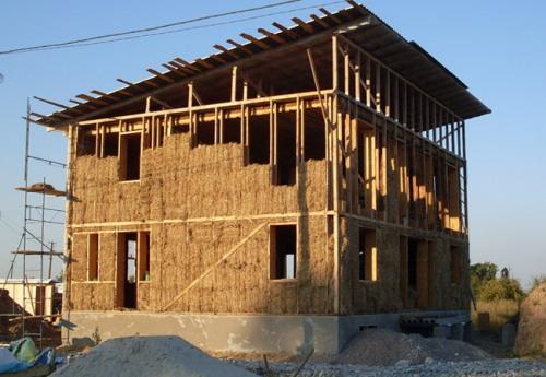 будинки із солом'яних блоків