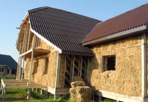 Картинки по запросу Как построить дом из соломы?